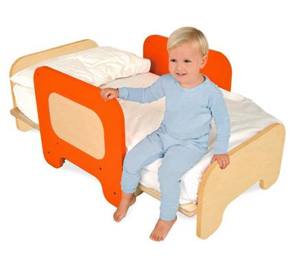 6 tips for transitioning your toddler to a big kid bed. Black Bedroom Furniture Sets. Home Design Ideas
